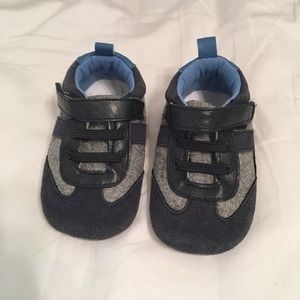 Other - Surprize baby shoes